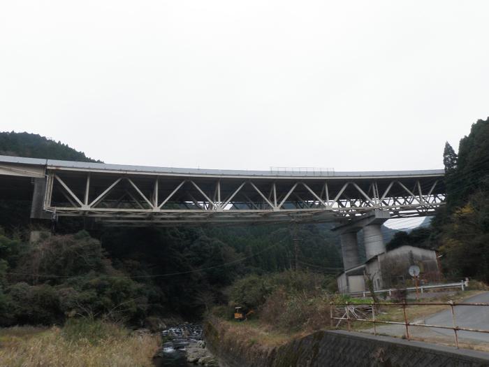 九州自動車道本名川橋床版補修工事